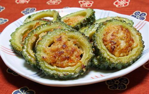 今日のキムチ料理レシピ:ゴーヤキムチ肉詰め