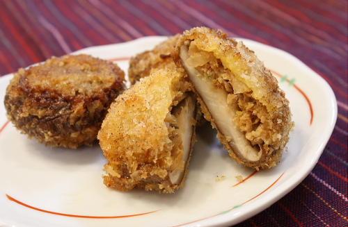 今日のキムチ料理レシピ:キムチ肉詰め椎茸のフライ