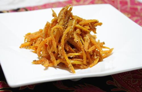今日のキムチ料理レシピ: 人参のキムチごま炒め