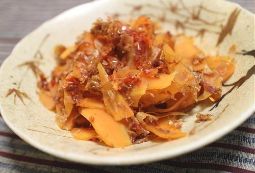 今日のキムチ料理レシピ:ニンジンのピリ辛おかか和え