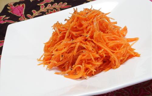 今日のキムチ料理レシピ:ピリ辛にんじんサラダ
