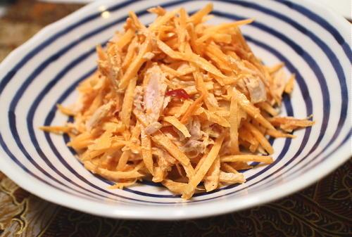 今日のキムチ料理レシピ:人参とツナのキムチカレーサラダ