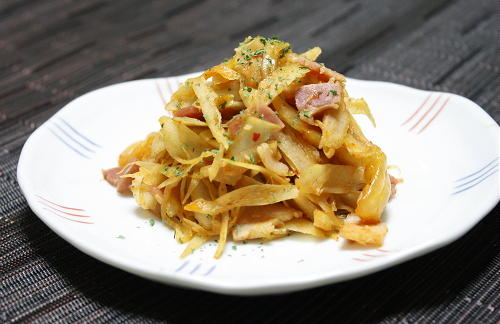今日のキムチ料理レシピ:ごぼうのニンニクキムチ炒め