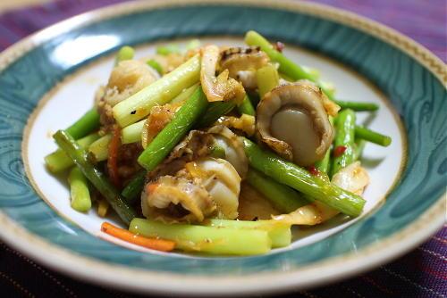 今日のキムチ料理レシピ:ニンニクの芽とホタテのキムチ炒め