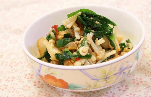 今日のキムチ料理レシピ:にらとえのきとキムチの胡麻和え
