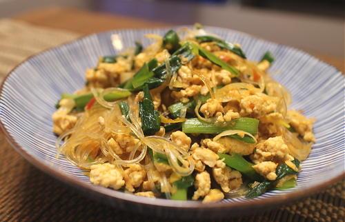 今日のキムチ料理レシピ:にらと鶏ひき肉のピリ辛春雨