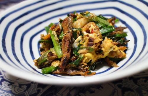 今日のキムチ料理レシピ:ニラとさんまとキムチの卵とじ
