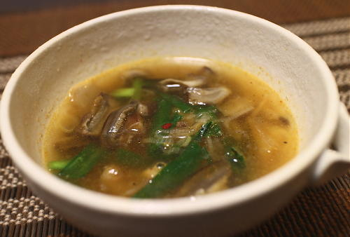 今日のキムチレシピ:ニラとシイタケのキムチスープ