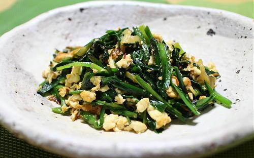 今日のキムチ料理レシピ:ピリ辛にら炒り豆腐炒め