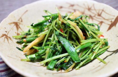 今日のキムチレシピ:豆苗とキムチの塩いため