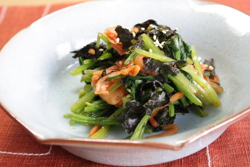 今日のキムチ料理レシピ:ほうれん草とキムチの海苔和え