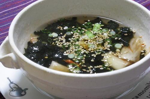 今日のキムチ料理レシピ:海苔キムチスープ