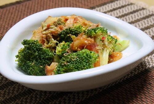 今日のキムチ料理レシピブロッコリーのおかかキムチ和え: