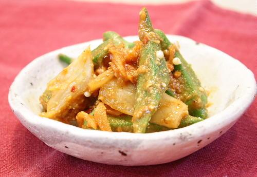 今日のキムチ料理レシピ:オクラとキムチのごま味噌和え