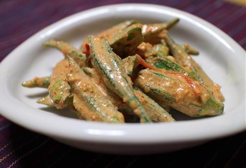 今日のキムチ料理レシピ:オクラのピリ辛ゴマみそ和え