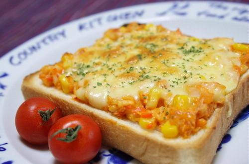今日のキムチ料理レシピ:オニオンキムチトースト