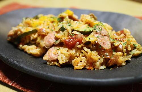 今日のキムチ料理レシピ:パエリア風キムチ炊き込みご飯