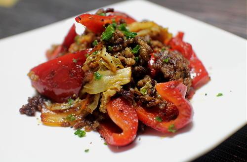 今日のキムチレシピ:パプリカとキムチのひき肉炒め