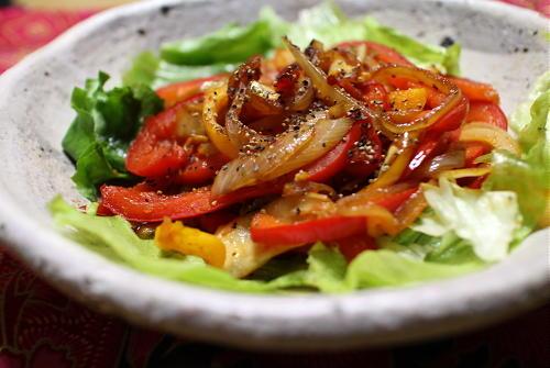 今日のキムチ料理レシピ:パプリカとキムチのホットサラダ