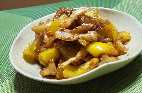 今日のキムチ料理レシピ:レンコンとパプリカのキムチきんぴら