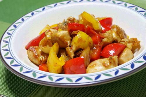 今日のキムチ料理レシピ:パプリカと鶏肉のピリ辛キムチ炒め