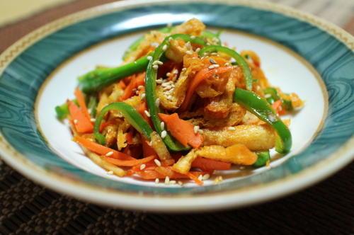今日のキムチ料理レシピ:油揚げのピリ辛きんぴら