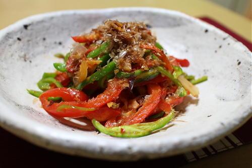 今日のキムチ料理レシピ:ピーマンとキムチのレンジ蒸し