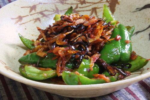 今日のキムチ料理レシピ:ピーマンと桜エビのピリ辛炒め