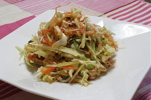 今日のキムチ料理レシピ:キャベツのピリ辛サラダ