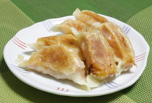 今日のキムチ料理レシピ:ジャガイモと鮭のキムチ餃子