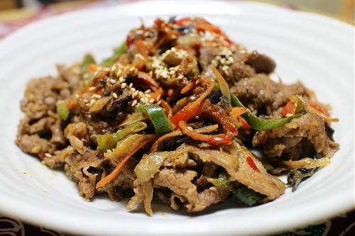 今日のキムチ料理レシピ:牛肉のピリ辛プルコギ風