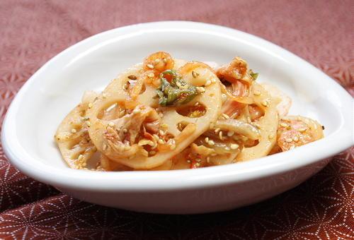 今日のキムチ料理レシピ:レンコンとキムチの甘酢和え