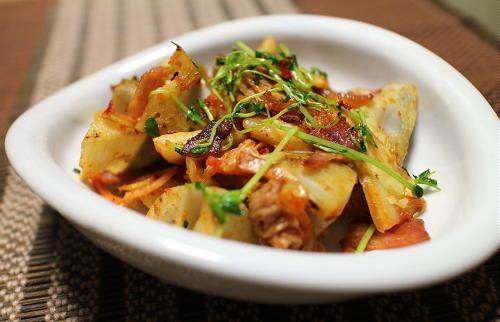 今日のキムチレシピ:レンコンとベーコンのキムチ炒め