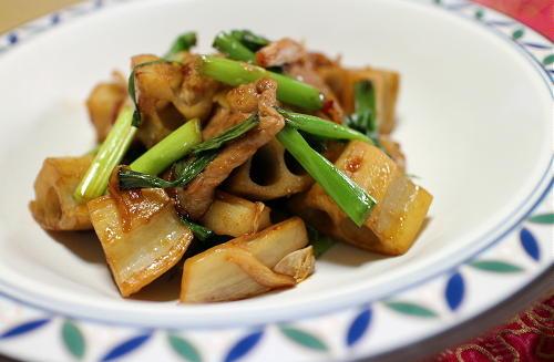 今日のキムチ料理レシピ:レンコンと豚肉のキムチ炒め