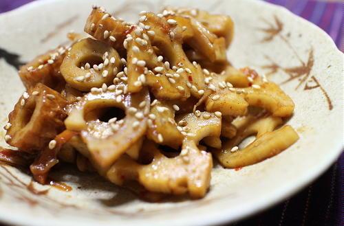 今日のキムチ料理レシピ:レンコンとちくわのキムチ煮