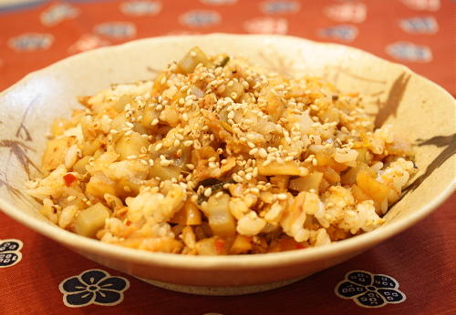 今日のキムチ料理レシピ:レンコンと割干しキムチのこりこりご飯