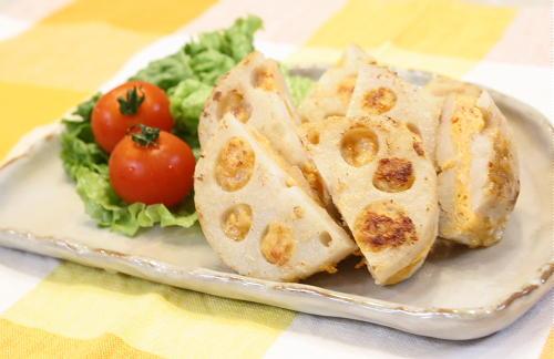 レンコンのピリ辛ひき肉はさみ焼きレシピ