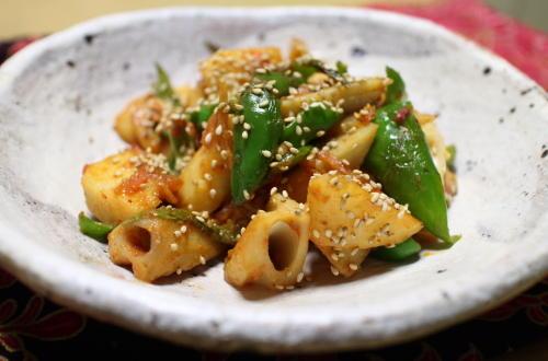 今日のキムチ料理レシピ:レンコンとピーマンの甘辛炒め