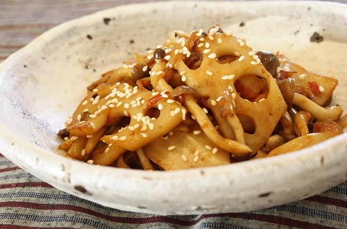 今日のキムチ料理レシピ:れんこんとキムチのきんぴら