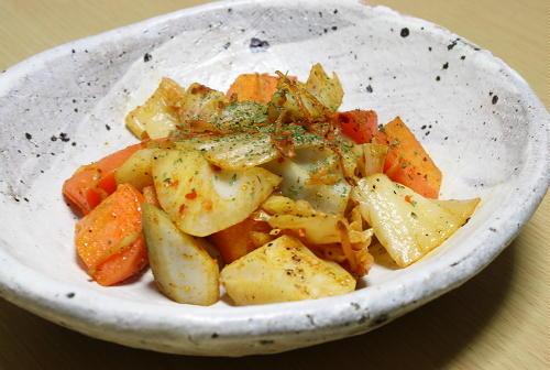 今日のキムチ料理レシピ:レンコンとキムチの塩コショウ炒め