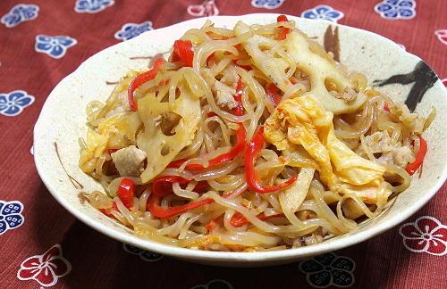 今日のキムチ料理レシピ:しらたきとレンコンのキムチきんぴら