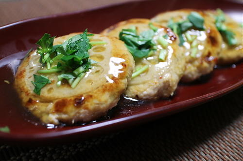 今日のキムチ料理レシピ:レンコン入りキムチつくね