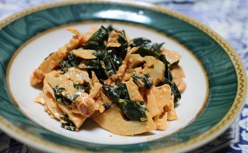 今日のキムチ料理レシピ:レンコンとわかめのピリ辛マヨ和え