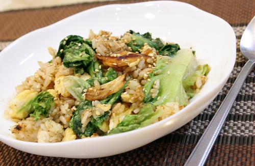 今日のキムチ料理レシピ:レタスとキムチのオイスターチャーハン