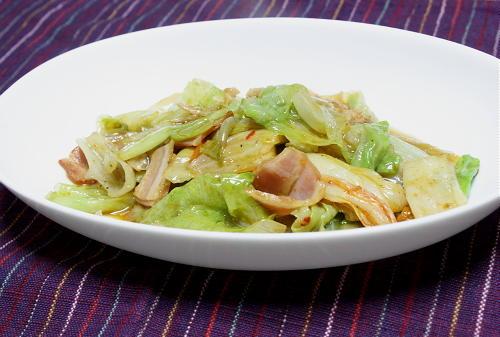 今日のキムチ料理レシピ:レタスとキムチのオイスターソース炒め