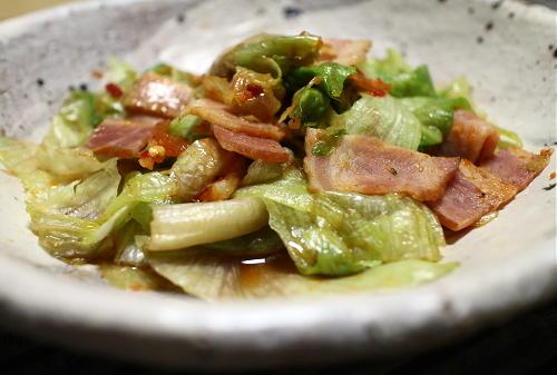 今日のキムチ料理レシピ:レタスのピリ辛オイスターソース炒め