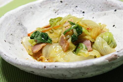 今日のキムチ料理レシピ:レタスのピリ辛炒め