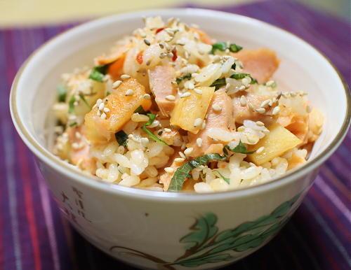 今日のキムチレシピ:鮭と大根キムチの混ぜご飯