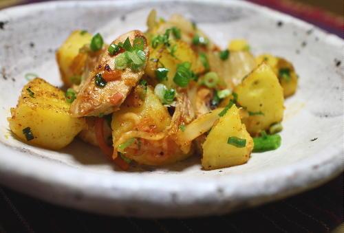 今日のキムチ料理レシピ:鮭とじゃがいものキムチバター焼き