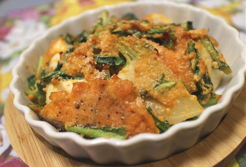 今日のキムチ料理レシピ:鮭とカブのピリ辛チーズ焼き